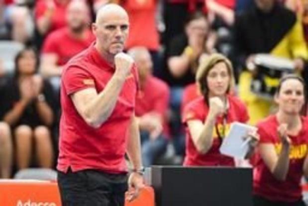 """Fed Cup - Van Herck sluit 1e dag af met duidelijk doel: """"Zondag 2 noodzakelijke punten pakken"""""""