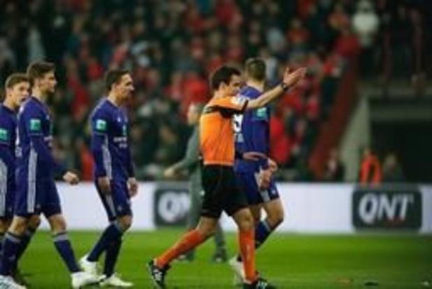 """Jupiler Pro League - Anderlecht-voorzitter Coucke tweet na incidenten: """"Voetbal mag nooit agressie zijn"""""""