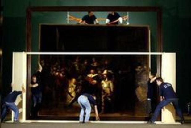 """La restauration du célèbre Rembrandt """"La Ronde de nuit"""" a commencé à Amsterdam"""