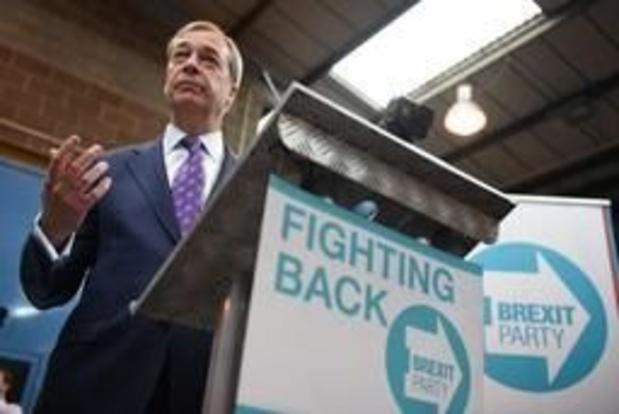Nigel Farage fonde le Parti Brexit