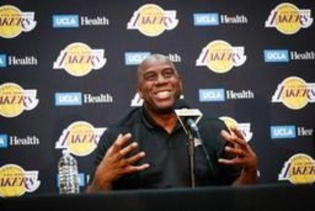 Magic Johnson quitte son poste de président des Lakers