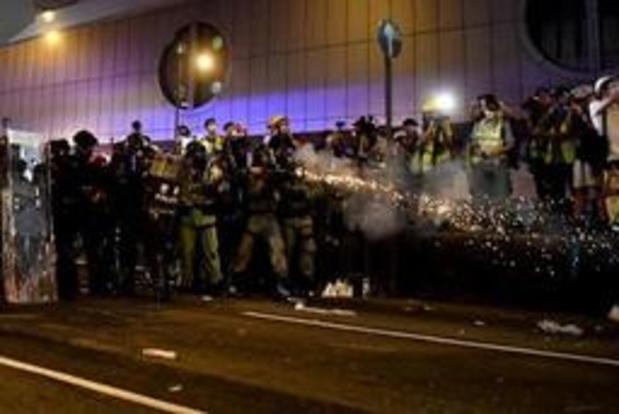 Mouvement de contestation à Hong Kong - La police tire contre des protestataires anti-gouvernementaux