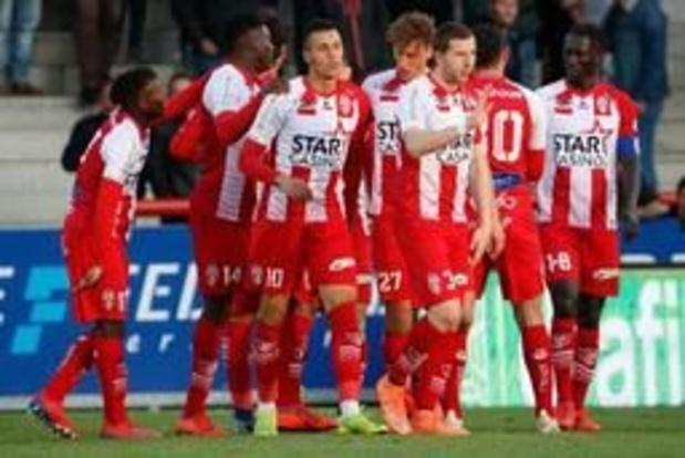 Jupiler Pro League - Moeskroen geeft voetballes aan Zulte Waregem in eindeseizoenswedstrijd
