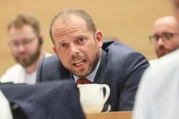 Onderwijs moet leerlingen trots maken op Vlaanderen, vindt Francken