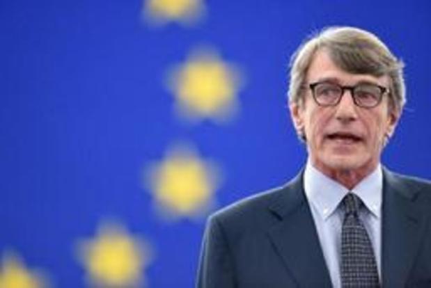 Nieuwe voorzitter Europees Parlement betoont eer aan terreurslachtoffers