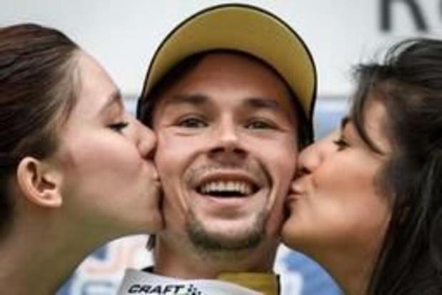 Roglic verstevigt leidersplaats met zege in koninginnenrit Ronde van Romandië