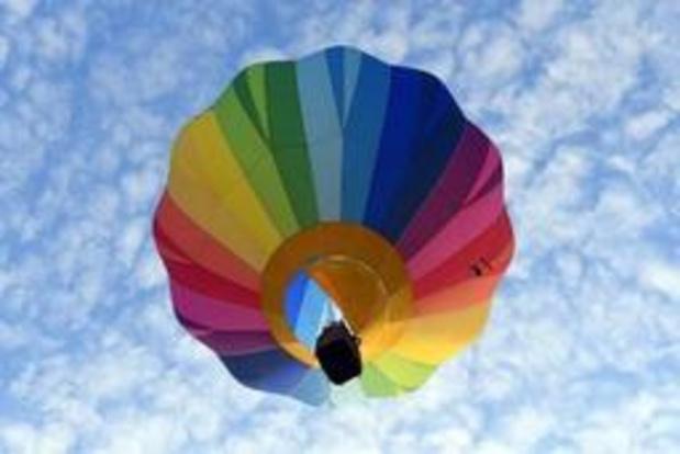 Elf mensen raken gewond bij crash met luchtballon in Duitsland