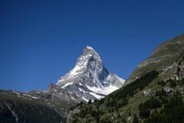 Deux alpinistes en difficulté décèdent en Suisse en pleine ascension du Cervin