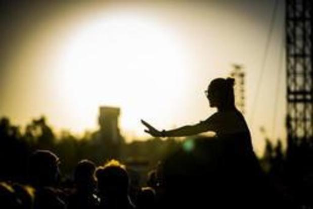 R - Rock Werchter: Whispering Sons maakt indruk op tweede festivaldag