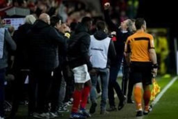 Jupiler Pro League - Antwerp krijgt 5.000 euro boete voor bierbekers richting Preud'homme