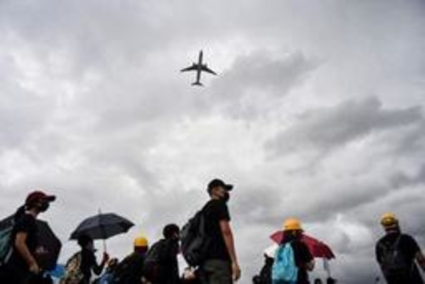 Betogers barricaderen luchthaven van Hongkong na nacht van geweld