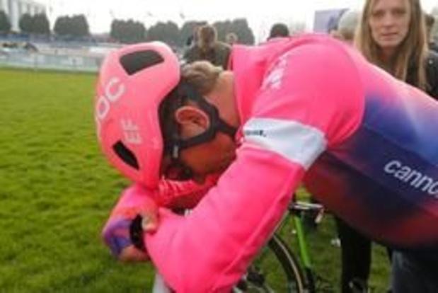 """Parijs-Roubaix - Vanmarcke baalt enorm na pech in finale: """"Het is me niet gegund"""""""