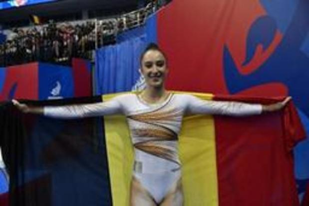 Nina Derwael verovert goud op de balk op Europese Spelen