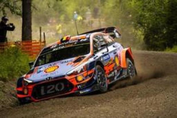 Thierry Neuville wint eerste klassementsrit in Rally van Finland