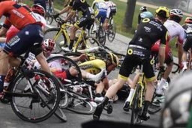Ronde van Vlaanderen - Niki Terpstra moet opgeven na valpartij