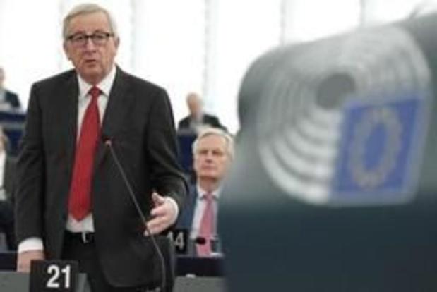 """Le """"no-deal"""" est désormais un scénario probable, constate la Commission"""