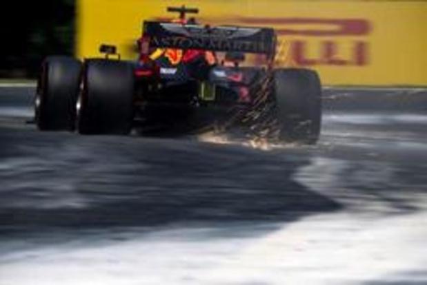 Max Verstappen verovert in Hongarije eerste pole