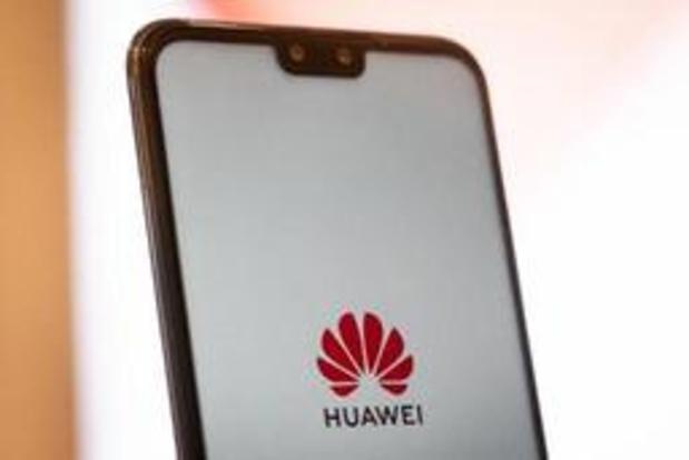 'Huawei lanceert nog dit jaar smartphone met eigen OS'