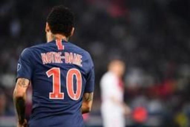 Incendie à Notre-Dame de Paris - PSG: les 1.000 maillots Notre-Dame vendus en moins de 30 minutes