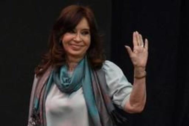 Présidentielle en Argentine: Kirchner se met en retrait à trois jours de son procès