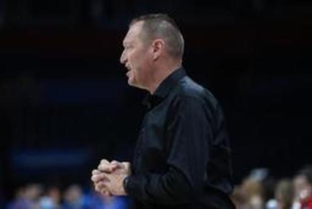 """EK basket (v) - Bondscoach Mestdagh teleurgesteld na uitschakeling: """"We hadden de match in handen"""""""