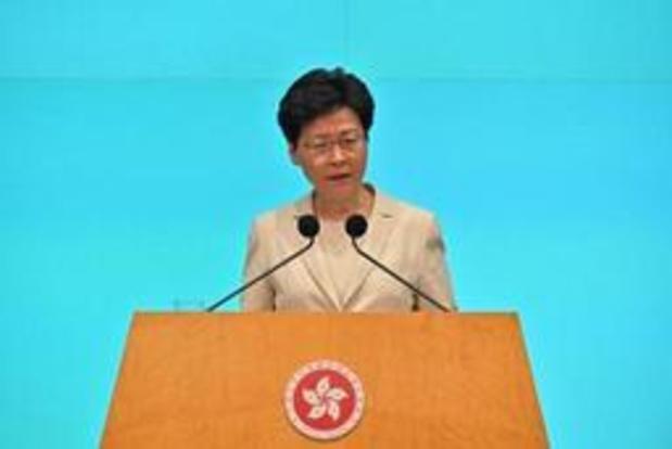 """Hong Kong/loi d'extradition: la cheffe de l'exécutif présente ses """"plus sincères excuses"""""""