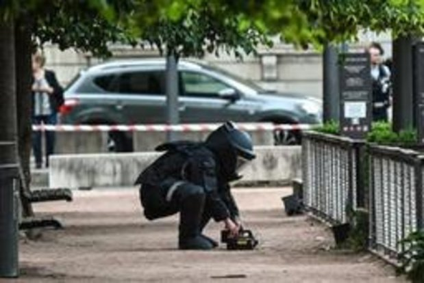 Explosion à Lyon: un ADN retrouvé, l'explosif pourrait être du TATP