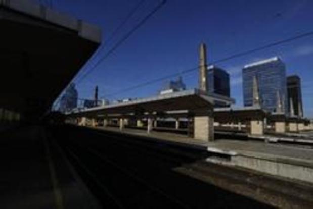 Opnieuw treinverkeer tussen Brussel-Noord en Brussel-Zuid, stoppen opnieuw in Noord