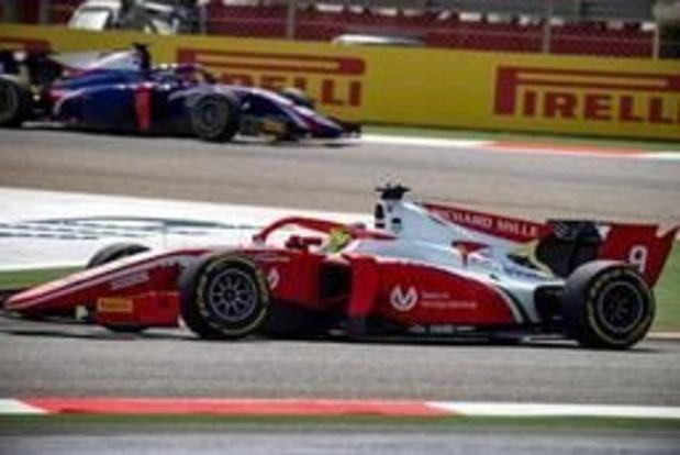 Mick Schumacher wordt achtste bij debuut in Formule 2
