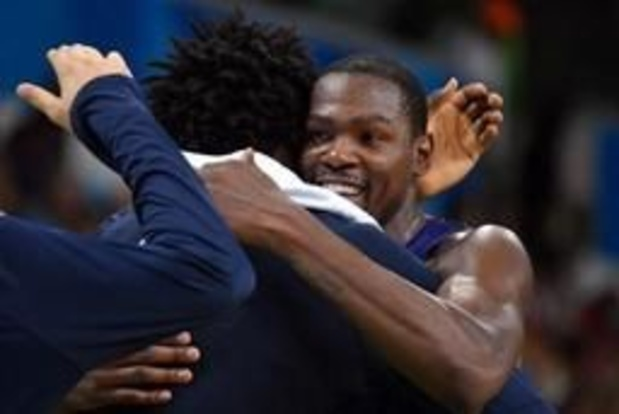 NBA - Onhoudbare Kevin Durant leidt kampioen Golden State naar volgende ronde in play-offs