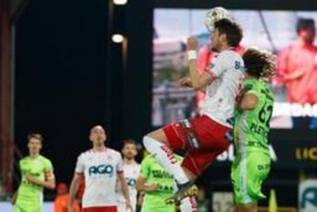 Jupiler Pro League - Courtrai, vainqueur du derby contre Zulte (4-2), compte le maximum de points en playoffs 2