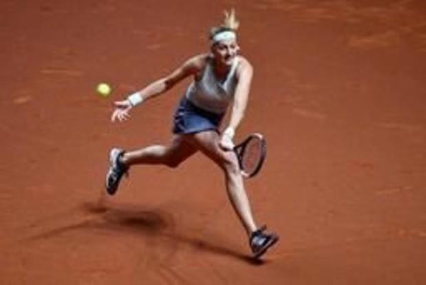 Kvitova rekent in finale in twee sets af met Kontaveit