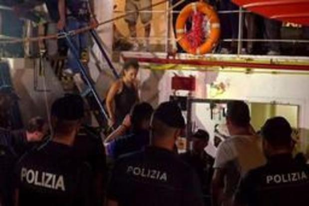 """Duitsland bekritiseert """"criminalisering"""" van reddingsacties op zee door Italië"""