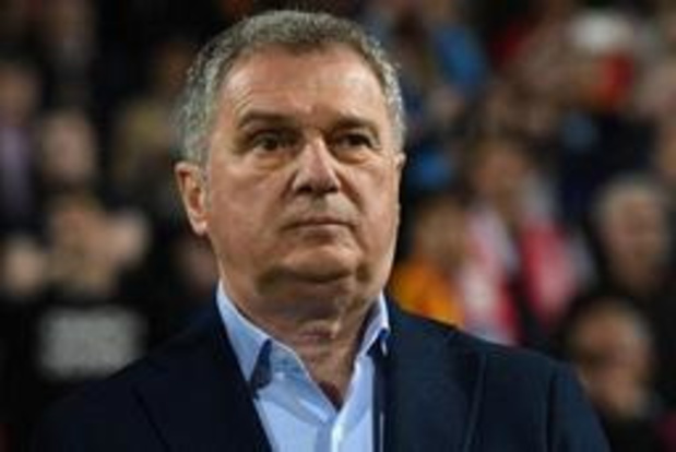 Kwal. EK 2020 - Montenegro zet coach die kat stuurde naar interland op straat