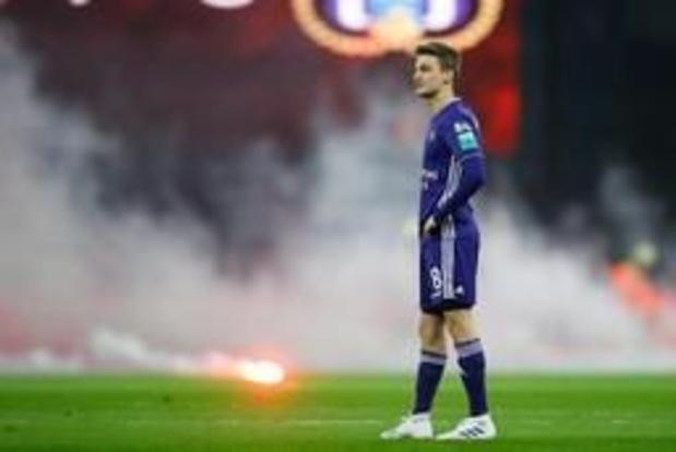 Jupiler Pro League - Standard/Anderlecht arrêté, Coucke condamne le comportement des supporters anderlechtois