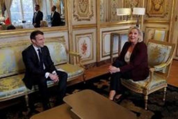 France: l'extrême droite devance le parti pro-Macron de 0,9 point