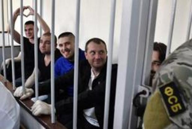 Matrozen vrijgelaten van door Oekraïne aan de ketting gelegde Russische tanker