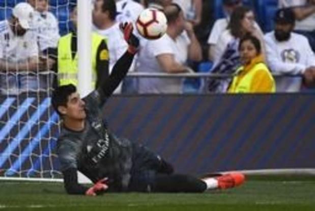 Les Belges à l'étranger - Sans Courtois, le Real chute 2-1 à Valence, première défaite pour Zidane
