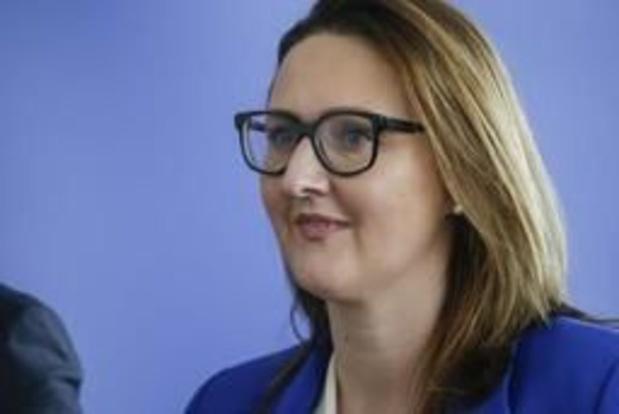 """Gwendolyn Rutten (Open Vld) past voor """"platte belastingverhoging"""""""