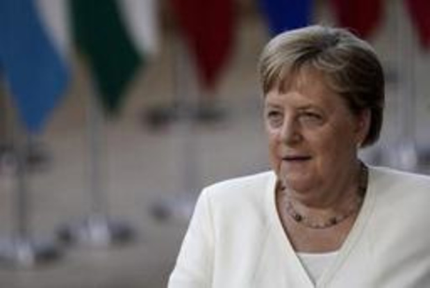 Angela Merkel prévoit des discussions longues et complexes sur les postes clés
