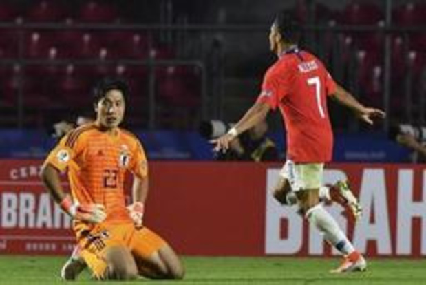 Titelverdediger Chili begint met vlotte zege tegen Japan in Copa America