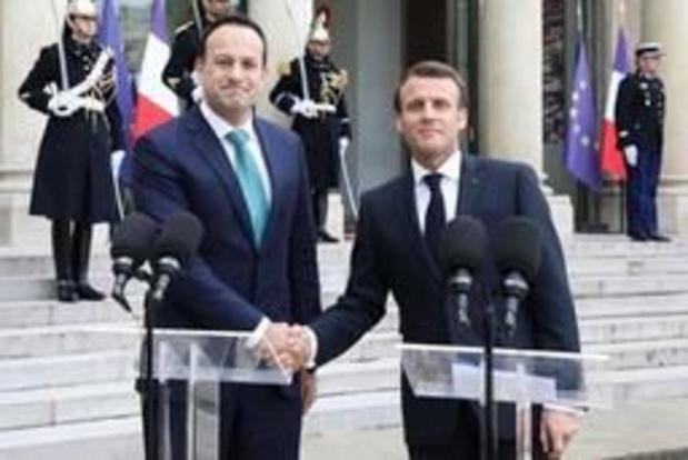 """Emmanuel Macron refuse que l'UE soit """"otage"""" de la crise britannique"""