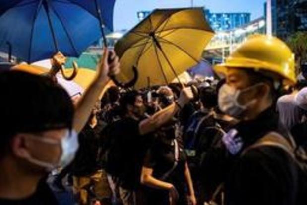 Affrontements à Hong Kong lors d'une manifestation contre les commerçants chinois frontaliers