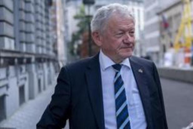 """""""Fusie tussen NMBS en Infrabel mag geen taboe meer zijn"""""""
