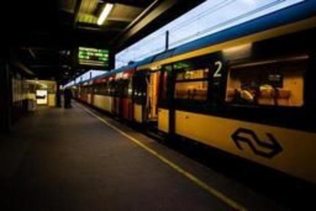 Man komt om bij ontploffing stilstaande wagon in Nijmegen