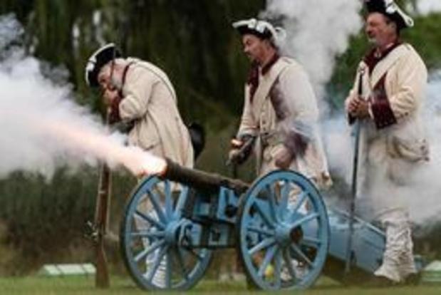 Regen speelt herdenking 250ste verjaardag van Napoleon parten