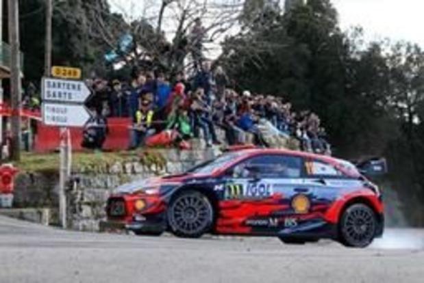 Rally van Corsica: Evans nieuwe leider, Neuville schuift op naar tweede plaats