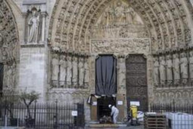 Brand Notre-Dame - Herstelling Notre-Dame moet opgeschort worden wegens loodvervuiling