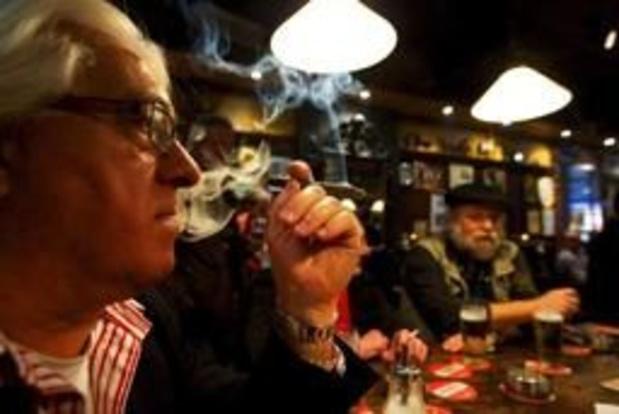 Kom op tegen Kanker wil af van rookruimtes in cafés