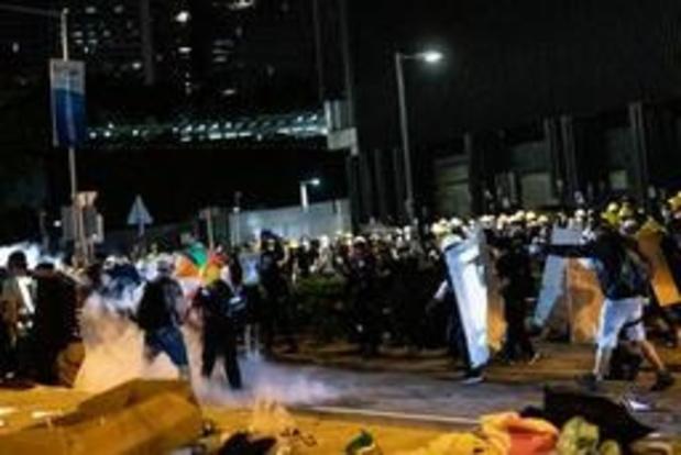 Politie Hongkong herovert controle van parlement